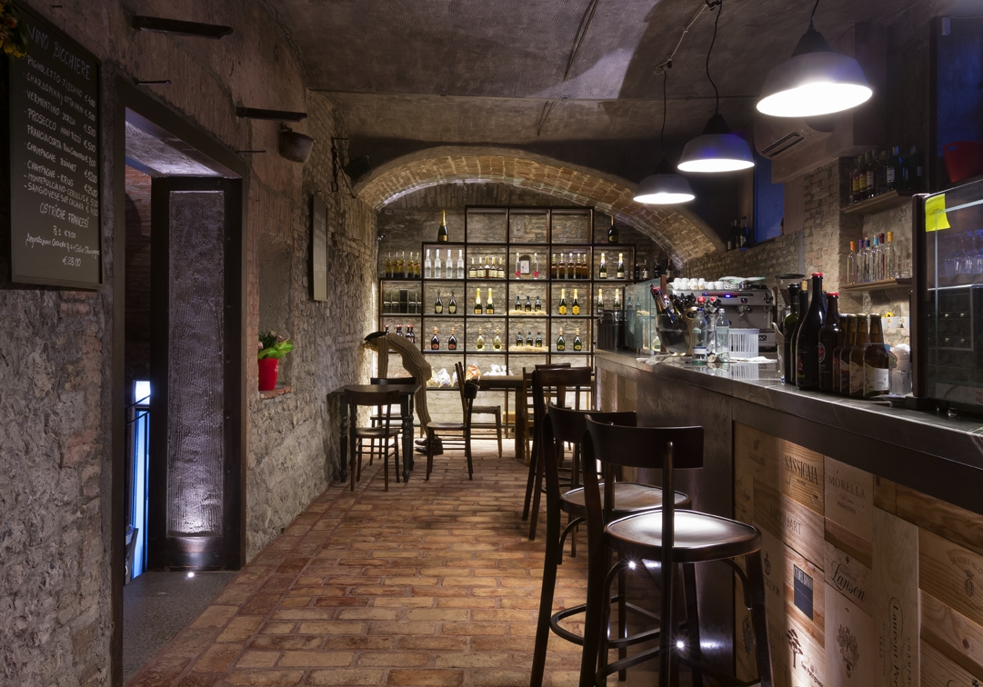 Ristorante albergo tramvia ristorante bologna for Arredo cucina design