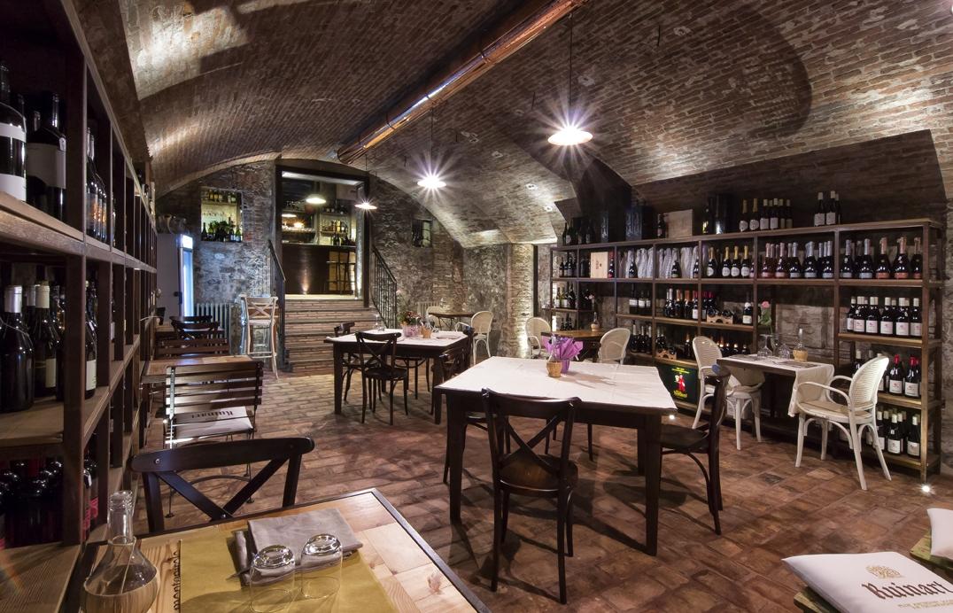 Ristorante albergo tramvia ristorante bologna for Arredamento cantina